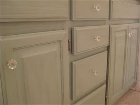 which paint for kitchen cabinets quot glaze craze quot or quot don t stress the distressing quot ha 1726