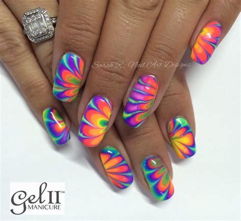 vivid  powerful  diy ideas  neon nails