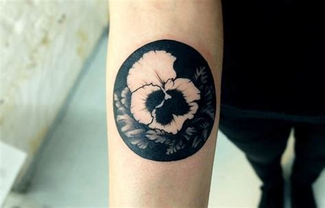 captivating negative space tattoos sheideas
