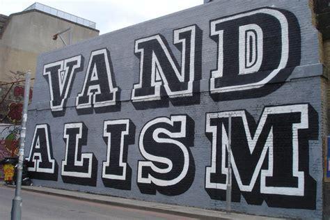 Graffiti Vandal : Is Graffiti Art Or Vandalism ? Questions Of Art