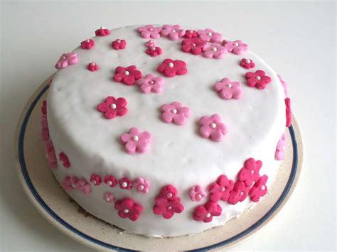 decoration gateau en sucre decoration gateau fleur en sucre