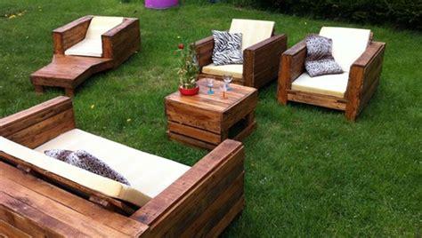 cr 233 er du mobilier de jardin avec des palettes en bois