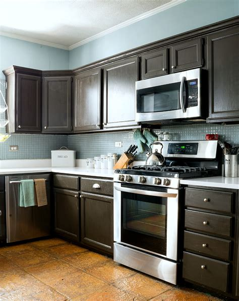 best brand of paint for kitchen cabinets painting laminate cabinets before and after refinish