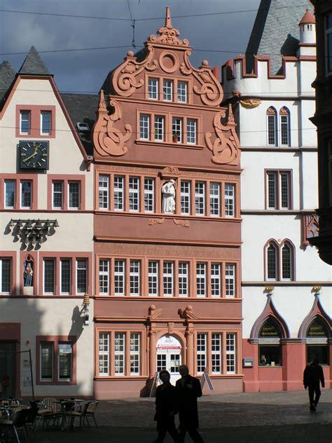 Filetrier Rotes Hausjpg  Wikimedia Commons