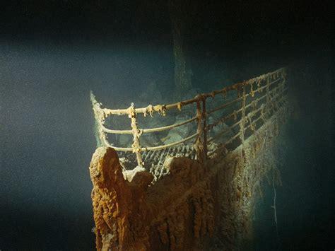 titanic        dive  wreck site