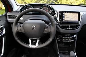 Interieur Peugeot 2008 Allure : peugeot 2008 du nouveau dans la gamme en novembre 2015 photo 4 l 39 argus ~ Medecine-chirurgie-esthetiques.com Avis de Voitures