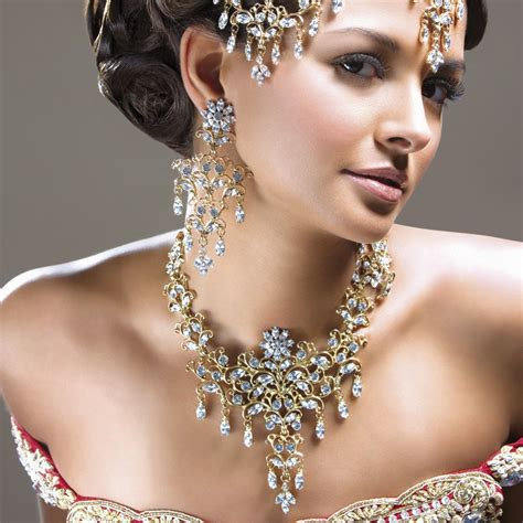 Top 10 Expensive Jewelry Gifts For Women  Cheap Fashion