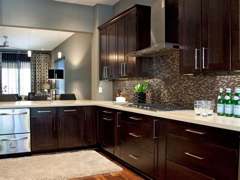 Kitchen Cabinets : Why You Should Use Them In Your