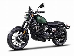 Nieuwe Importeur Hyosung Introduceert 125cc Aquila Bobber