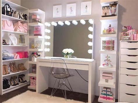 Diy Makeup Desk With Lights by Best 25 Makeup Vanities Ideas On Vanity