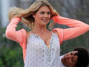 Kate Upton U0026 39 S Boobs Jumping Out  10 Pics