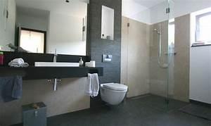 Bad Fliesen Gestaltung : kreative badideen ~ Markanthonyermac.com Haus und Dekorationen