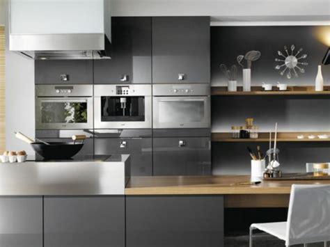 cuisine ouverte grise cuisine gris anthracite 56 idées pour une cuisine chic