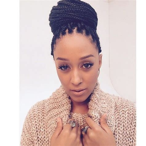 20 natural hair styles that are professional for the