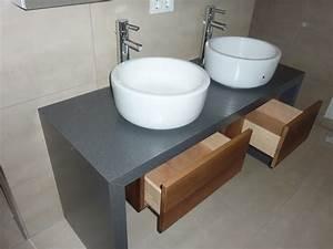 Waschtisch Mit Füßen : waschtisch mit aufgesetzten becken und spiegelschrank ~ Indierocktalk.com Haus und Dekorationen