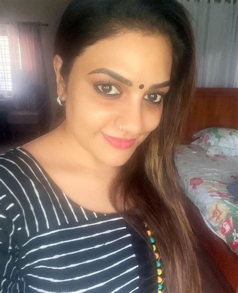 Rimi Tomy's latest funny video goes viral! - Malayalam ...