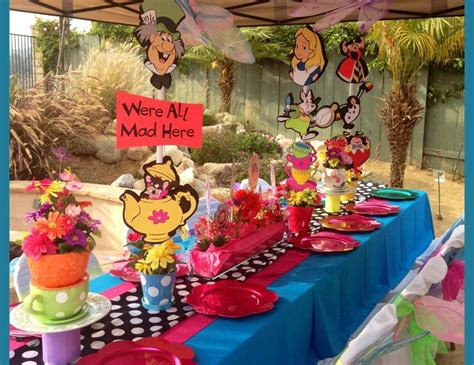 Mad Hatter Decorations by Alice In Wonderland Birthday Quot Keyona S Alice In