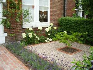 25 best ideas about small front gardens on pinterest With small front garden design ideas