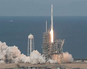 The SpaceX Dragon spacecraft blasted off for its CRS-11 ...