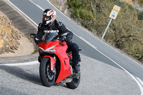2017 Ducati Supersport S First Ride Test