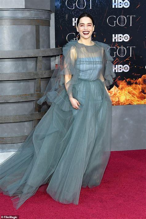 emilia clarke stuns  valentino gown  game  thrones