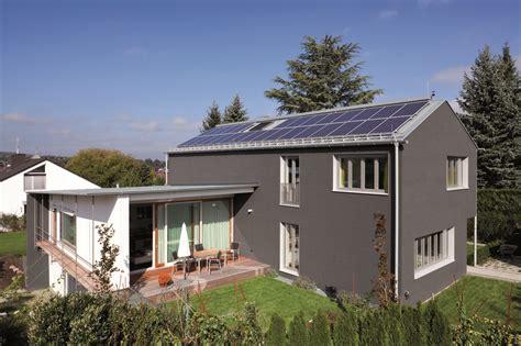Einfamilienhaus Neue Fenster Generation by Details Roto Fenster Und T 252 Rtechnologie
