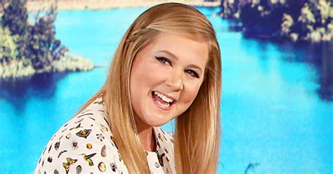 amy schumer rapper boyfriend amy schumer jokes about wearing a swimsuit next to kate