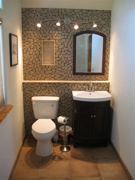 Colors For Small Bathroom Walls by Best 25 Small Bathroom Paint Ideas On Small