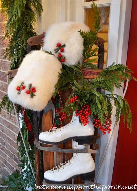 decorating  porch  christmas  natural garland