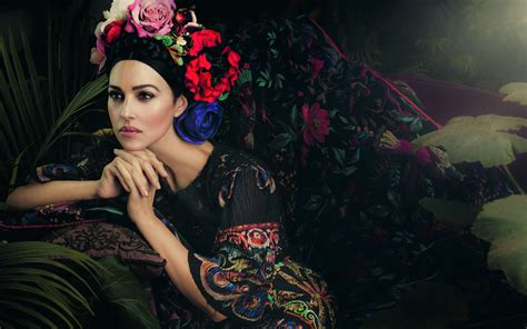 Monica Bellucci Wallpapers, Pictures, Images