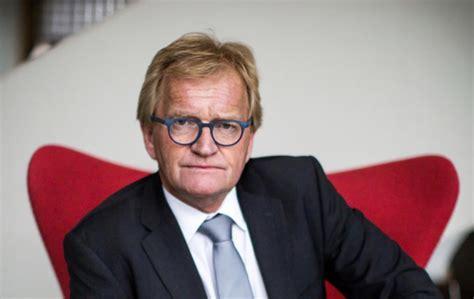 In de nacht van zondag op maandag is hans de boer (66) overleden als gevolg van een zware hersenbloeding enkele dagen daarvoor. Oud-voorzitter VNO-NCW Hans de Boer overleden - 5 miljoen ...