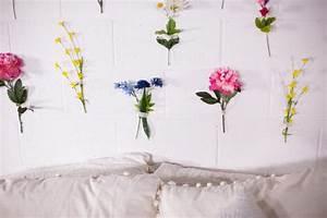 Mr Kate - DIY Flower Wall