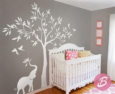 sticker arbre chambre bébé stunning stickers arbre blanc chambre bebe contemporary