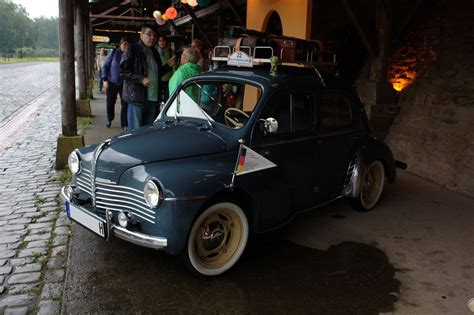 Renault 4 CV R 1060 | Renault 4, Renault, Suv car