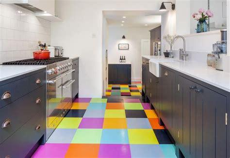 carrelage multicolore cuisine carrelage coloré une cuisine au carrelage multicolore