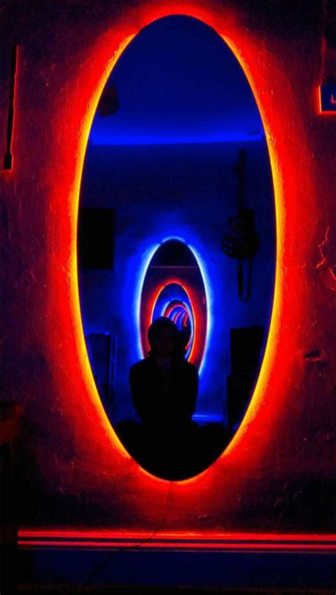 DIY Time Travel Mirrors : portal mirrors
