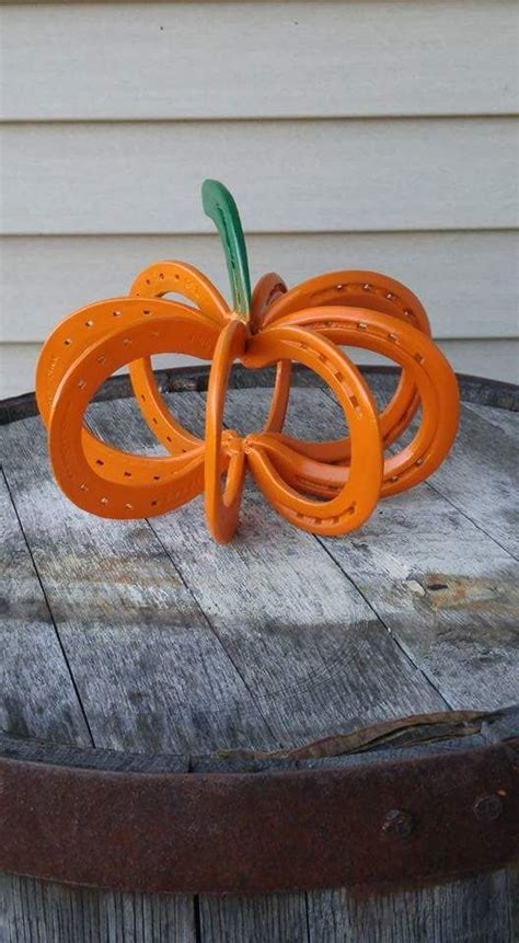 rustic horseshoe home decor ideas shelterness