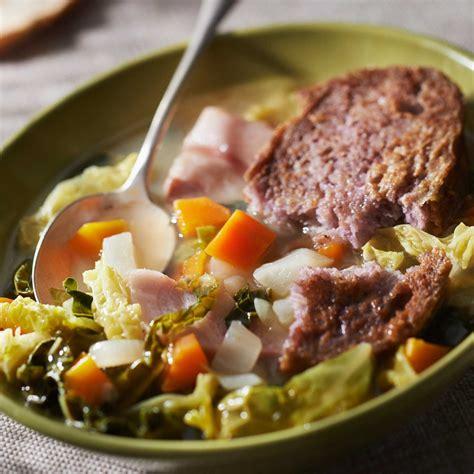 cuisine chou vert soupe au chou vert facile et pas cher recette sur