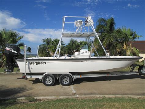 Everglades Bay Boats For Sale by 2004 Everglades 250cc Tower Bay Boat The Hull