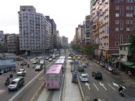 dedicated median bus lanes national association  city
