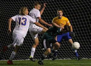 Prep Boys Soccer Madison West And Madison Memorial Play