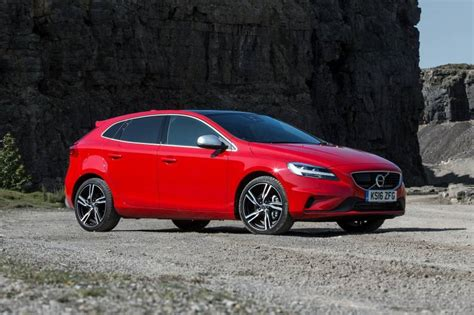 Volvo V40 Cross Country Hatchback Review
