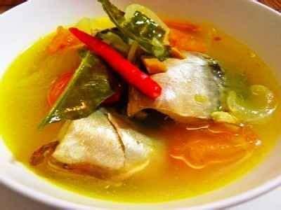 • 1 ekor (800 g) ikan patin, dibersihkan, dipotong menjadi 7. √ Resep Cara Memasak Pindang Patin Meranjat Nanas Pegagan Ala Resto Palembang - MasakanRestoran ...