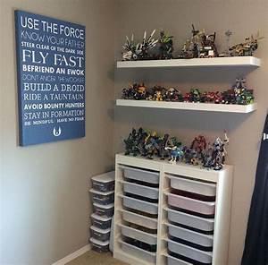 Lego Aufbewahrung Ideen : boys lego star wars room with ikea lego trofast organizers and lego display wohnen star wars ~ Orissabook.com Haus und Dekorationen