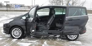Ford C Max Coffre : le ford b max et l 39 opel meriva se plient en quatre pour la famille challenges ~ Melissatoandfro.com Idées de Décoration