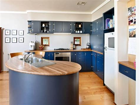 country kitchens photos country u shaped kitchen design using timber kitchen 3635