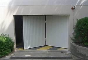 Porte de garage accordéon/basculante personnalisable & robuste KONE