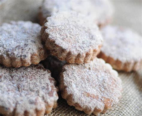 Preheat the oven to 325 degrees f. Recipe: Mexican Holiday Cookies
