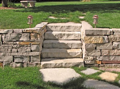 outside things on retaining walls landscaping