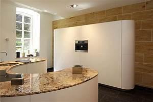 Küche Mit Granitarbeitsplatte : hir geht es rund runde k chen sind die stars unter den luxusk chen luxusk chen ~ Sanjose-hotels-ca.com Haus und Dekorationen